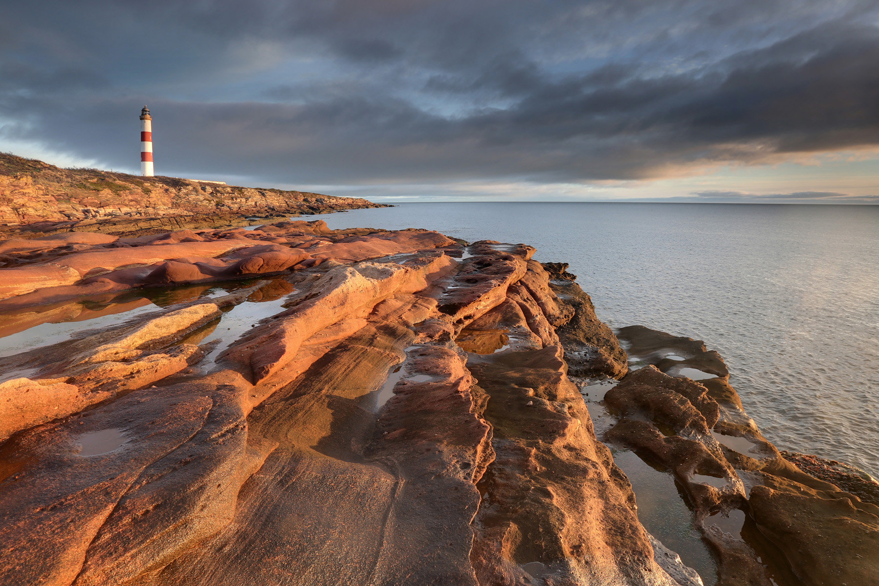 Tarbat ness lighthouse- dawn light