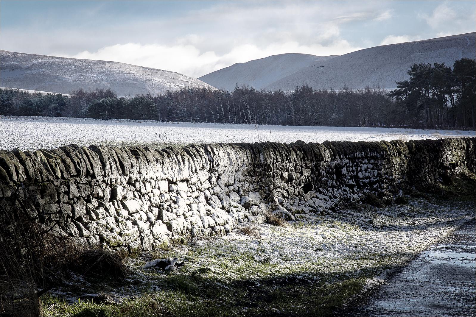 Snow wall.jpg