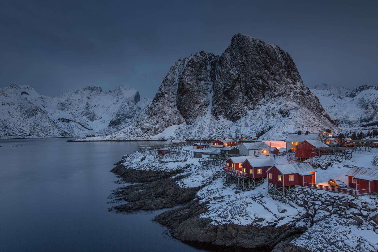 Icy dawn- lofoten
