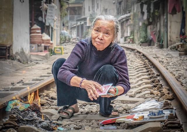 Offering on rail street hanoi