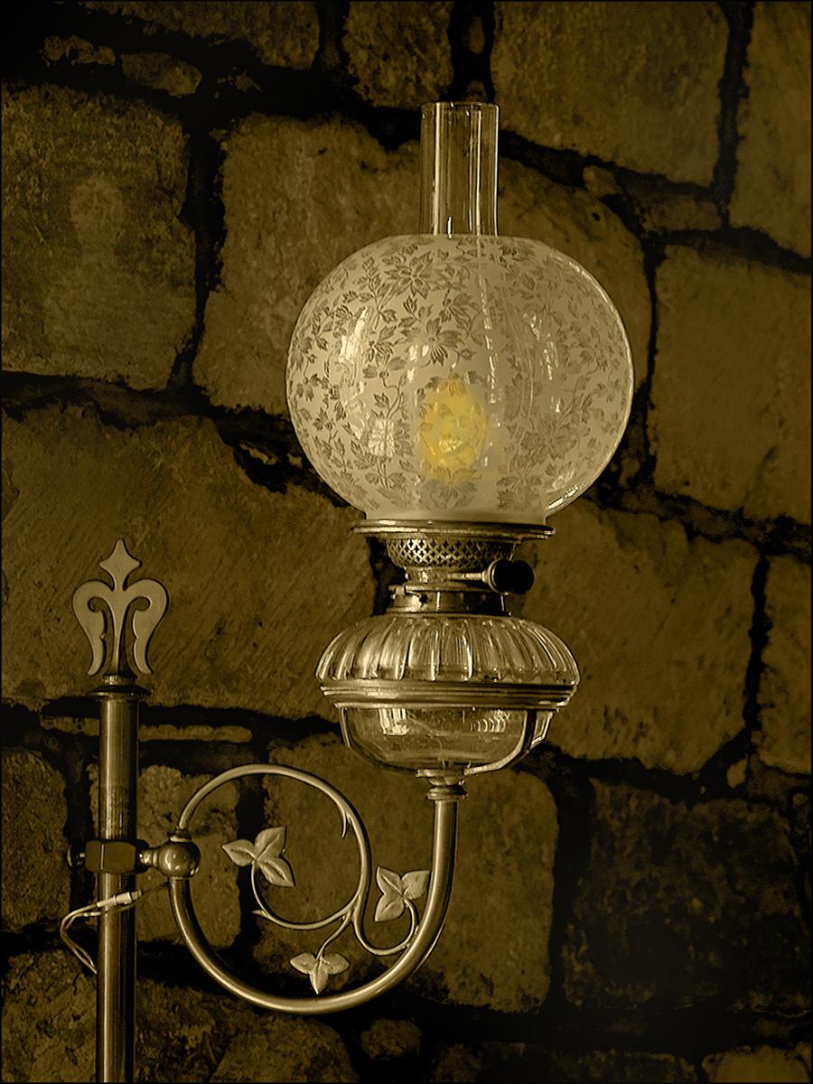 Garvald lamp
