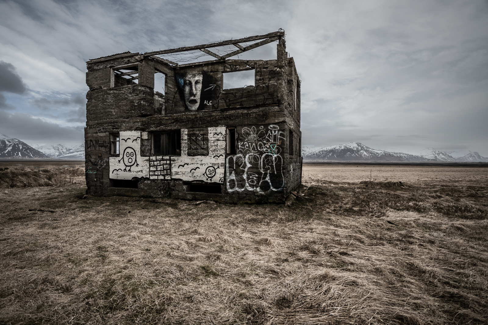 Iceland - roadside art-4