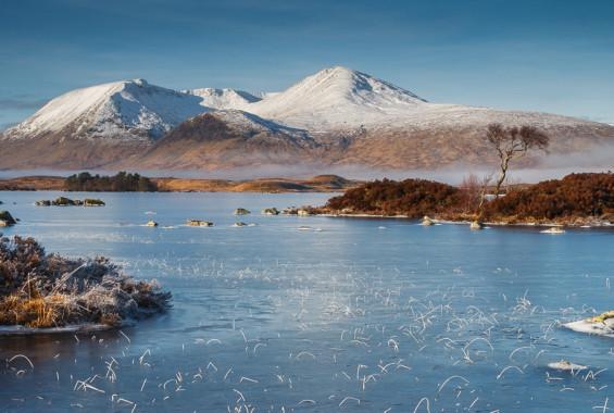 Lochan na h-achlaise Winter by Ken Gillies