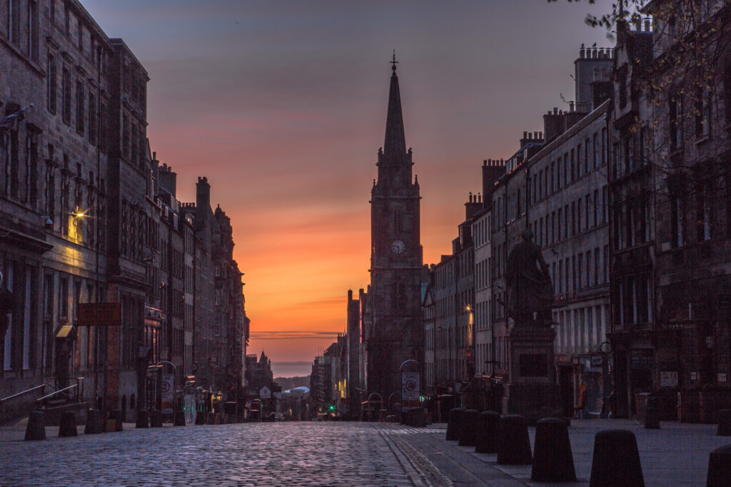 Graeme Gainey - Dawn breaking on the High Street