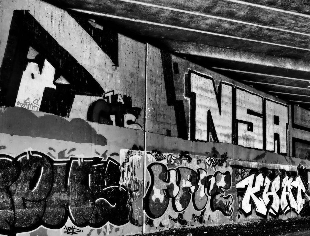 Mhairi Chambers - Graffitti in DT2